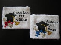 pošitý ručník, výšivka na ručníku vysivka_rucnik_motiv-promoce